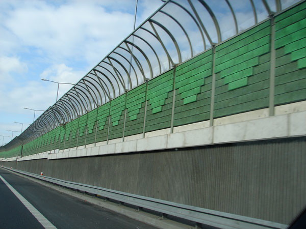 applications/architectural/architectural-acoustic-barriers-3.jpg