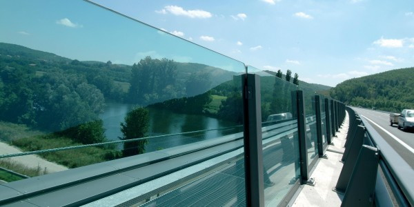 applications/architectural/architectural-acoustic-barriers-4.jpg