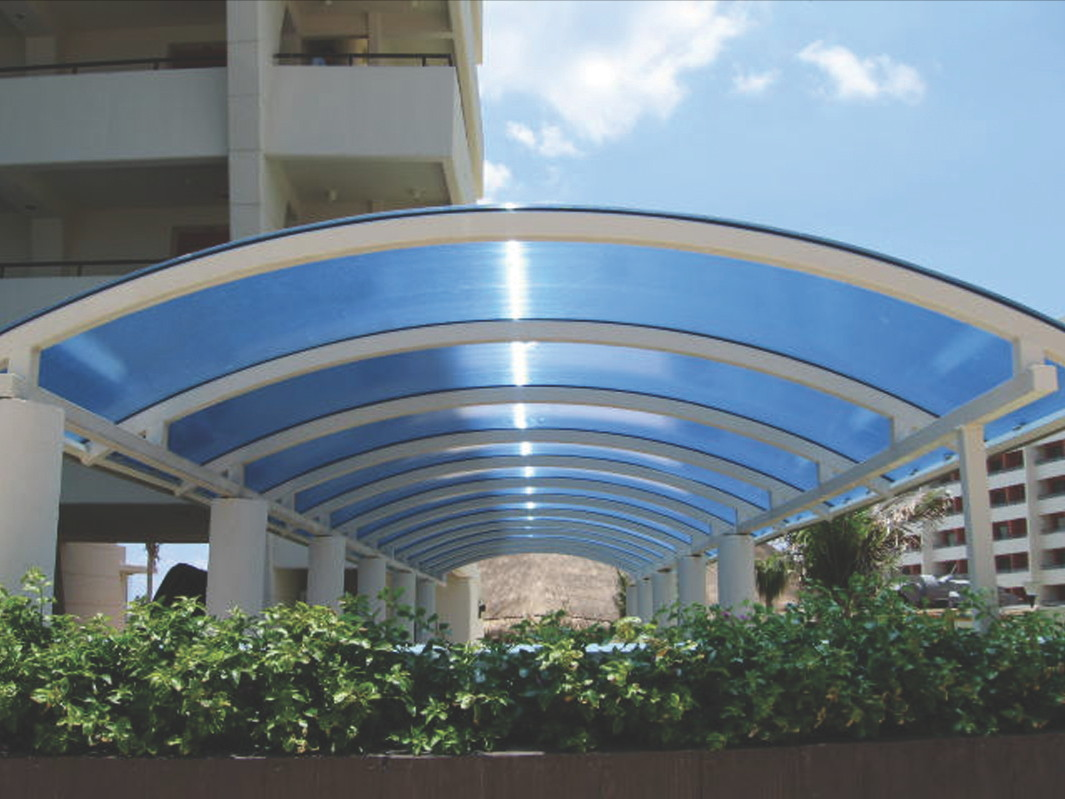 applications/commercial/commercial-canopies-light-roofing-3.jpg