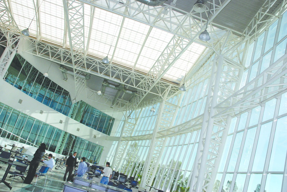 applications/commercial/commercial-roof-light-sidelight-glazing-3.jpg